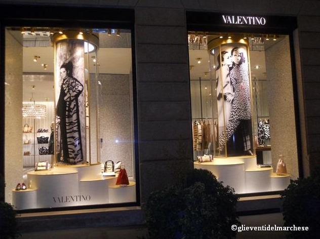 Valentino inaugurazione boutique milanoscenario for Valentino via turati milano