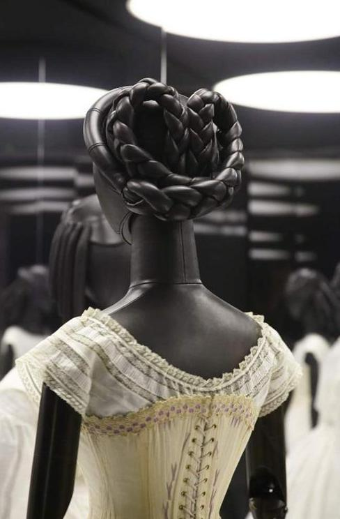 Expo Dio Musee Des Arts Decoratifs