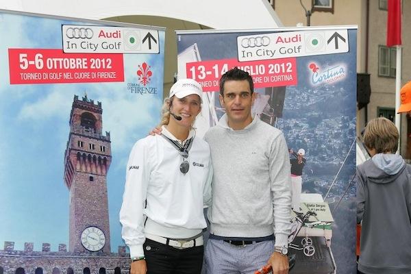 Giulia-Sergas-con-Pietro-Piller-Cottrer-lo-staffettista-trionfatore-nella-4x10-km-ai-Giochi-di-Torino-2006