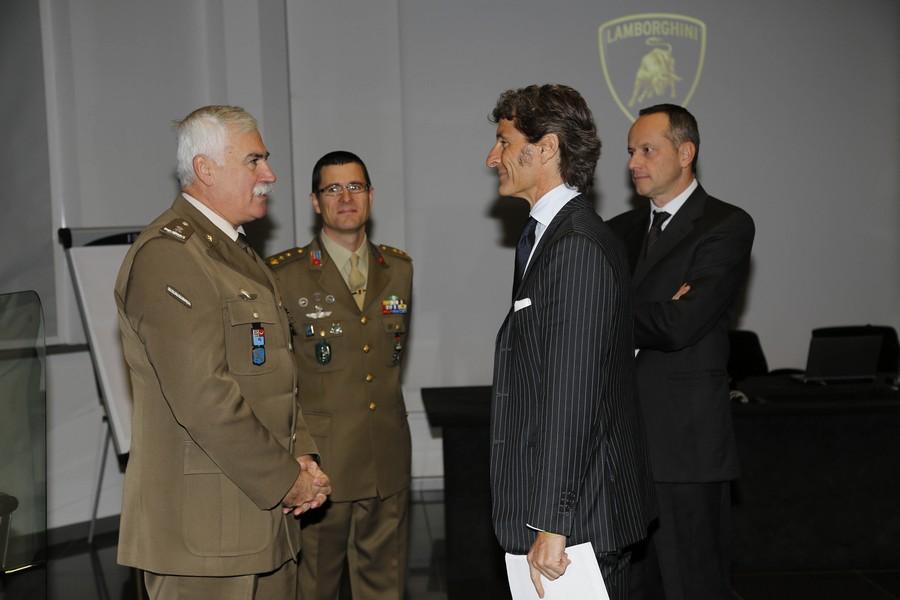 Da sinistra a destra - Generale Antonio De Vita, Tenente Colonnello Antonio Vecchio, Stephan Winkelmann, Raffaello Porro