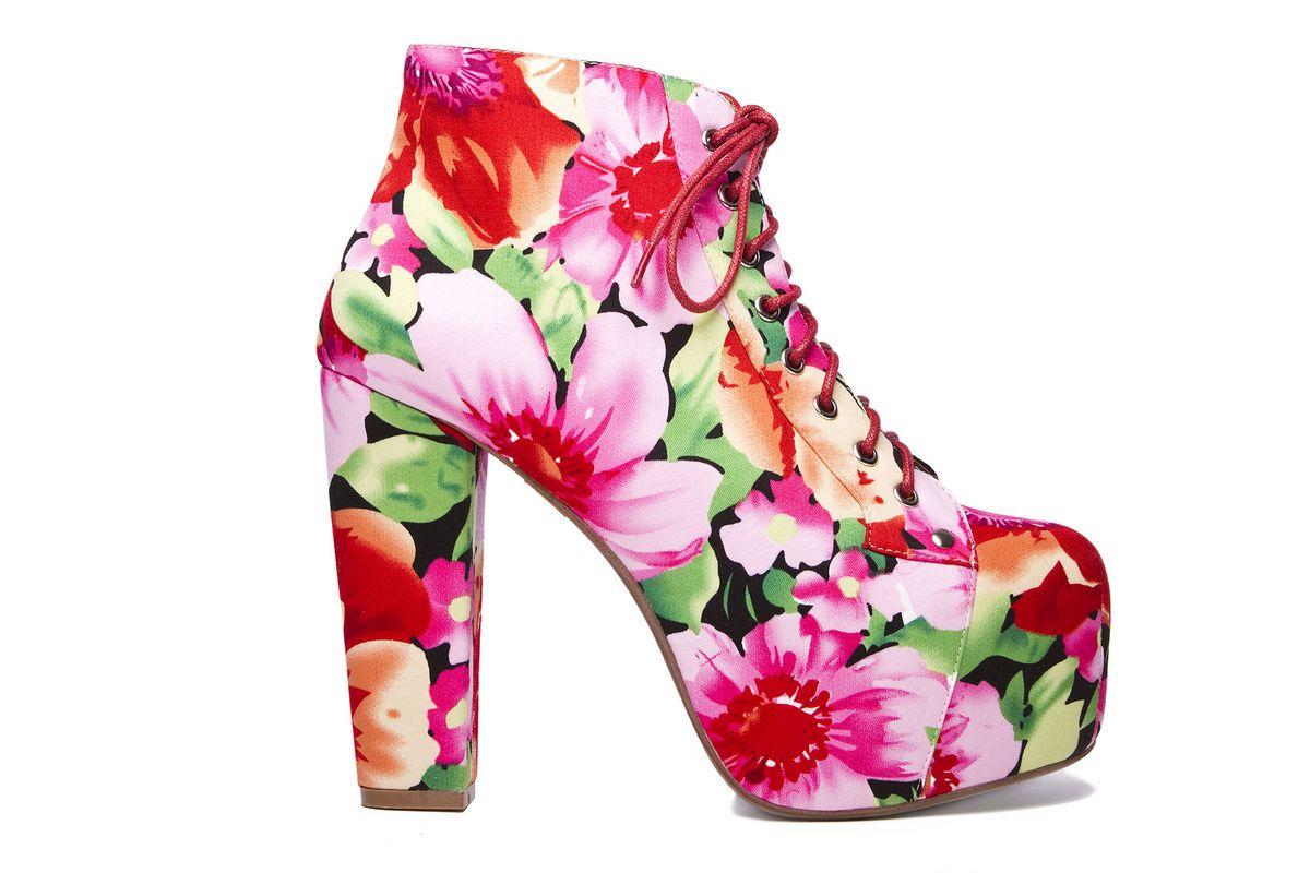 4fd73215e3 scarpe con fiori Archives - SCENARIOSCENARIO