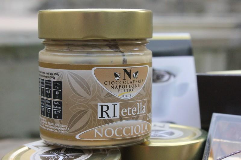 crema nocciola cioccolateria napoleone
