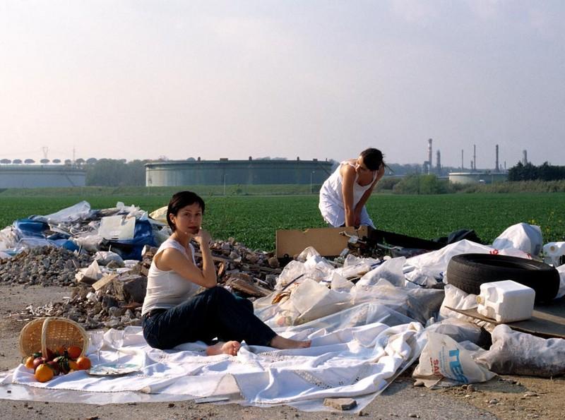 Goldschmied & Chiari, Pic Nic, 2002, lambda print 100 x 130 cm