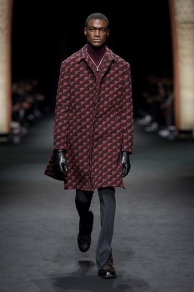 Versace uomo autunno inverno 2017-2018SCENARIO e1c554f46a3
